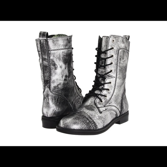 19768526f1968 FINAL Steve Madden silver leather combat Sz6.5